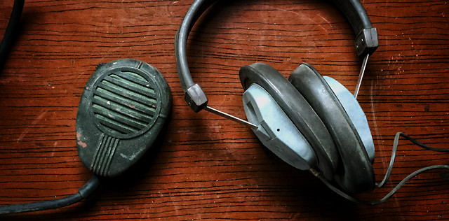 no-person-headphones-equipment-technology-electronic-device picture material