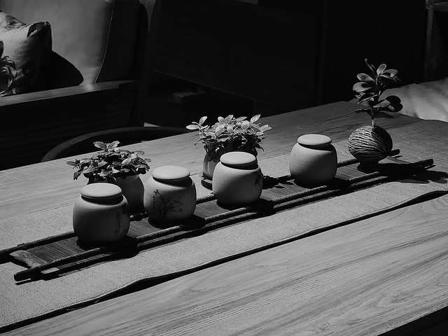 table-furniture-monochrome-still-life-mobile-photography picture material
