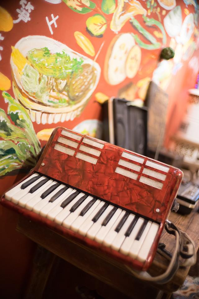 no-person-piano-desktop-music-instrument picture material