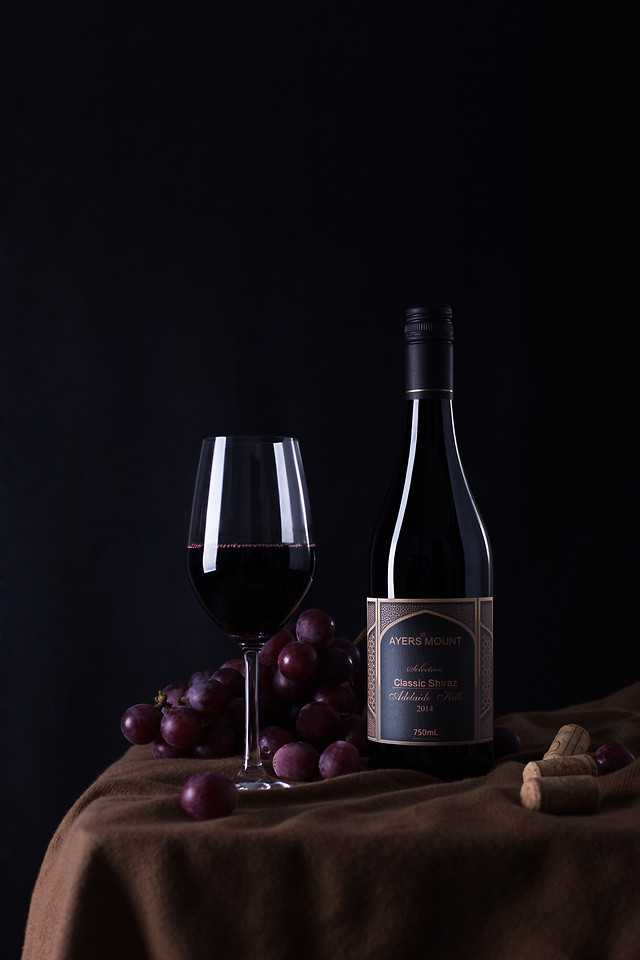 wine-bottle-still-life-glass-red-wine 图片素材