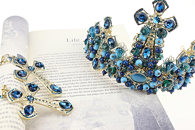jewelry-gem-precious-gold-shining picture material