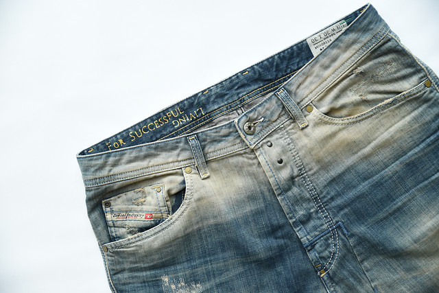 denim-pants-pocket-casual-cotton picture material