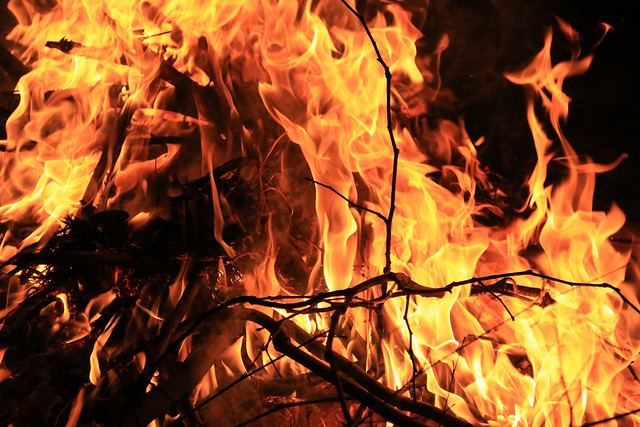 flame-bonfire-fireplace-campfire-heat 图片素材