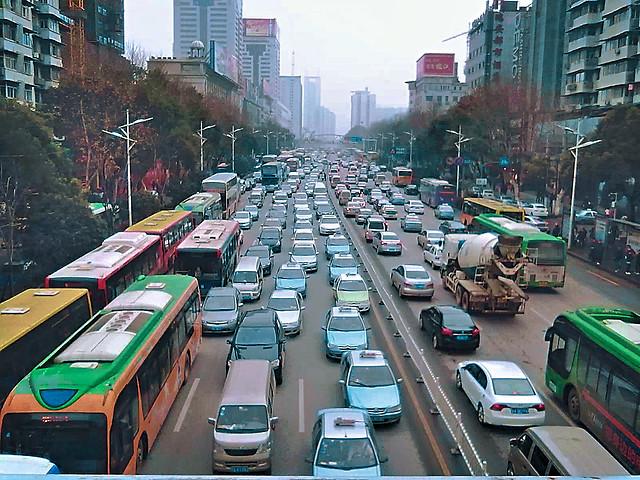 road-traffic-city-metropolitan-area-transportation-system 图片素材