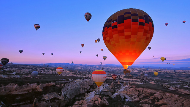 balloon-hot-air-balloon-travel-sky-adventure picture material