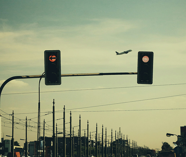 transportation-system-semaphore-no-person-intersection-light 图片素材