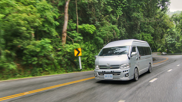 car-road-vehicle-asphalt-motor-vehicle picture material