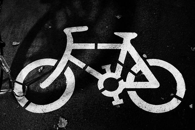 bicycle-symbol-desktop-black-white-sign picture material