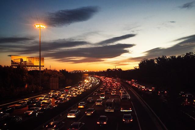 transportation-system-road-highway-traffic-street 图片素材