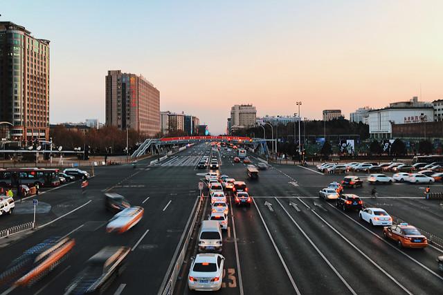 transportation-system-metropolitan-area-road-traffic-car 图片素材