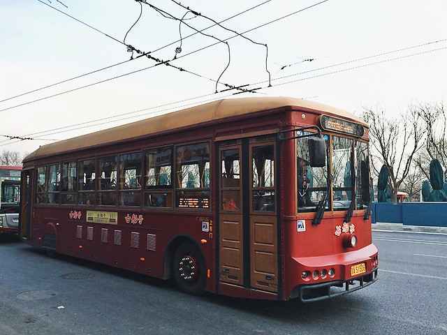 bus-tramway-transportation-system-vehicle-street 图片素材