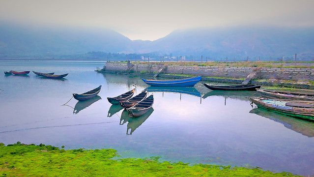 water-boat-seashore-lake-travel picture material