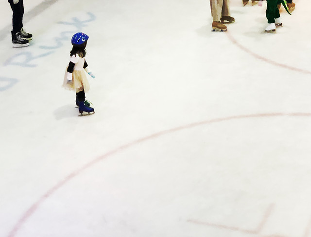 snow-winter-ice-skate-ice-action picture material