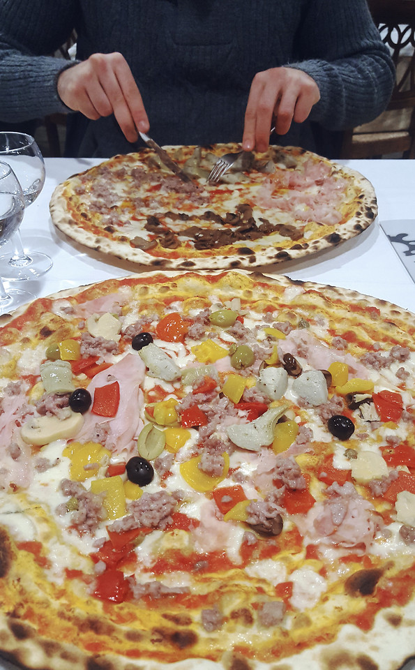 pizza-food-pepperoni-meal-cheese 图片素材