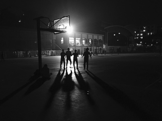 street-monochrome-city-winter-people picture material