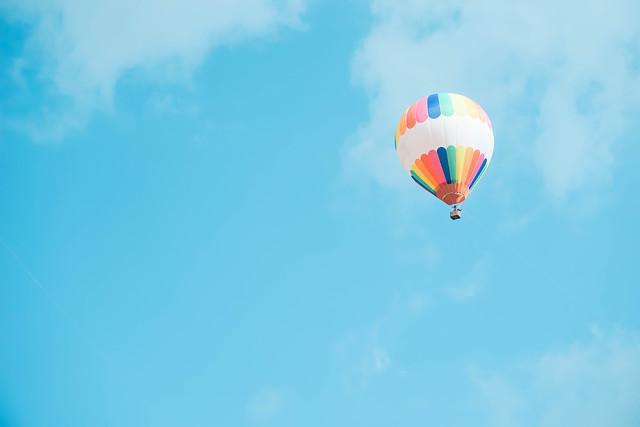sky-balloon-parachute-blue-color picture material
