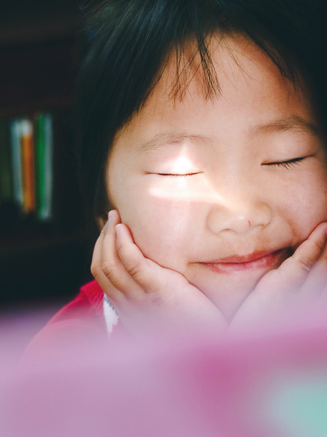 child-girl-cute-portrait-face picture material