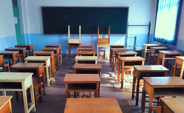 furniture-seat-classroom-chair-table picture material