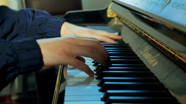 piano-instrument-music-jazz-pianist picture material