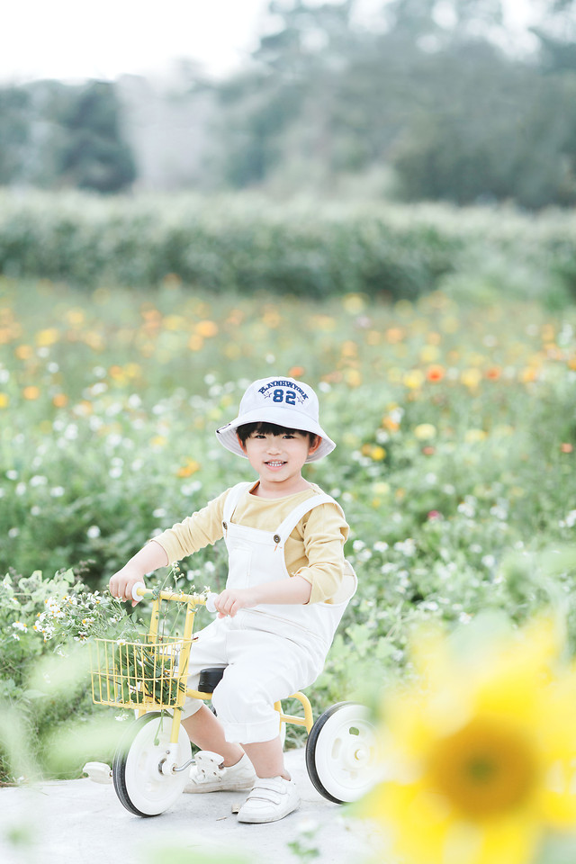 child-nature-summer-girl-leisure 图片素材
