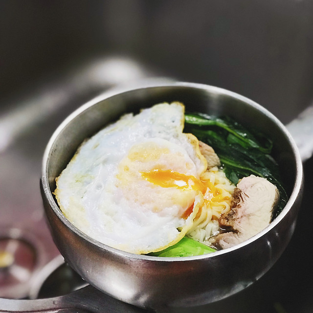 egg-egg-yolk-no-person-breakfast-food 图片素材