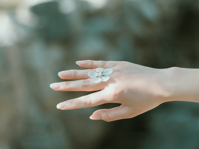 hand-woman-nature-blur-outdoors picture material