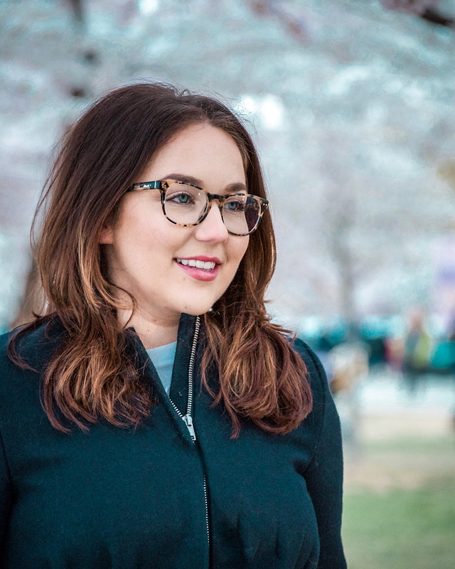 woman-portrait-glasses-eyeglasses-people picture material