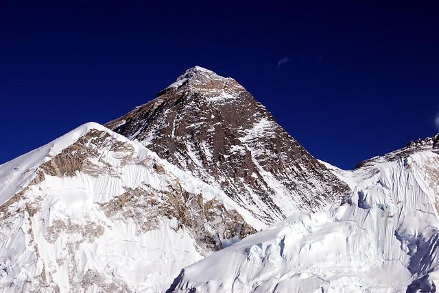 mt-everest-from-kala-patthar-in-nepal 图片素材