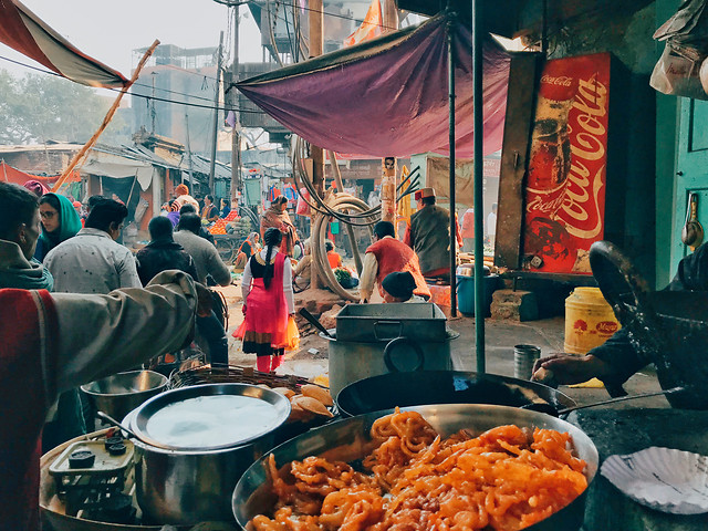 people-market-food-group-restaurant 图片素材