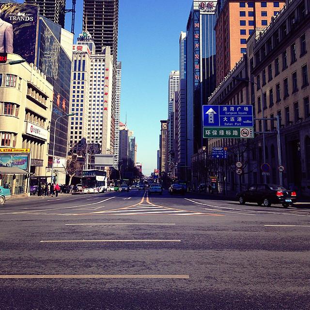 city-street-metropolitan-area-downtown-urban 图片素材