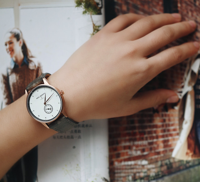 time-woman-pressure-clock-indoors picture material