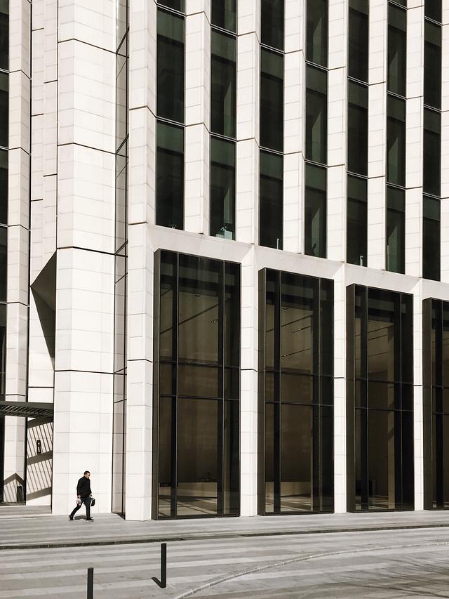 architecture-building-city-window-modern 图片素材