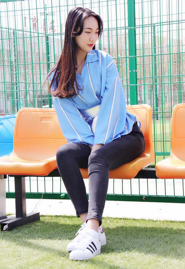 woman-sit-clothing-blue-young picture material