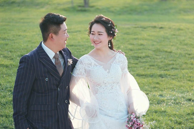 wedding-groom-gown-people-woman picture material