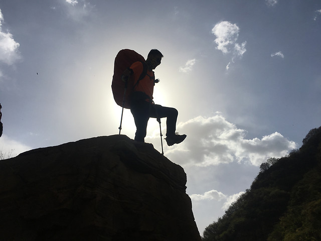 people-climber-climb-sky-one picture material