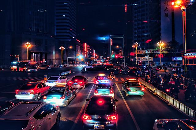 car-city-traffic-street-downtown 图片素材