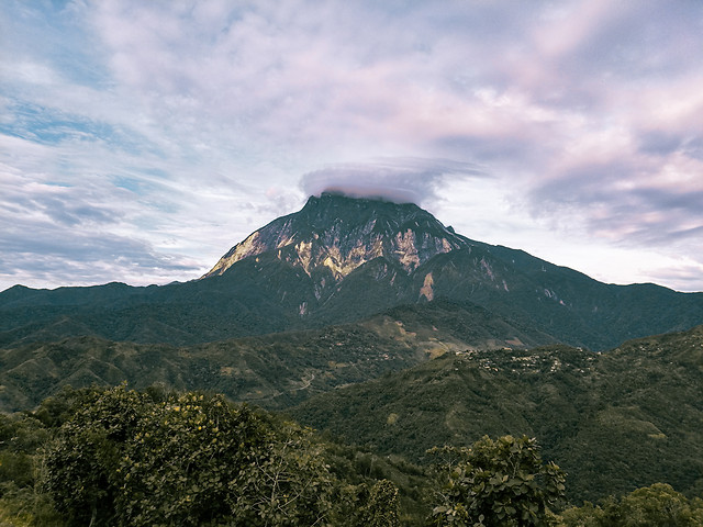 majestic-look-of-mount-kinabalu picture material