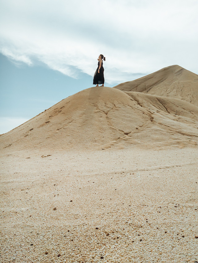 sand-desert-dune-landscape-travel picture material