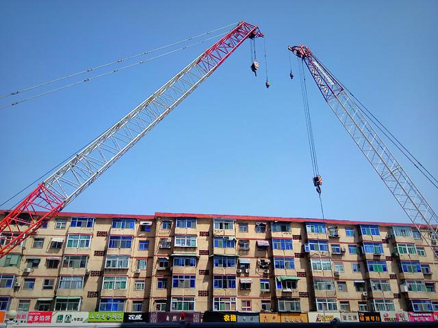 construction-sky-building-crane-city picture material