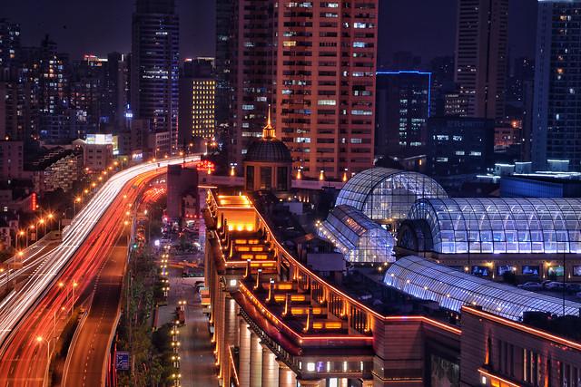 city-traffic-metropolitan-area-dusk-downtown 图片素材