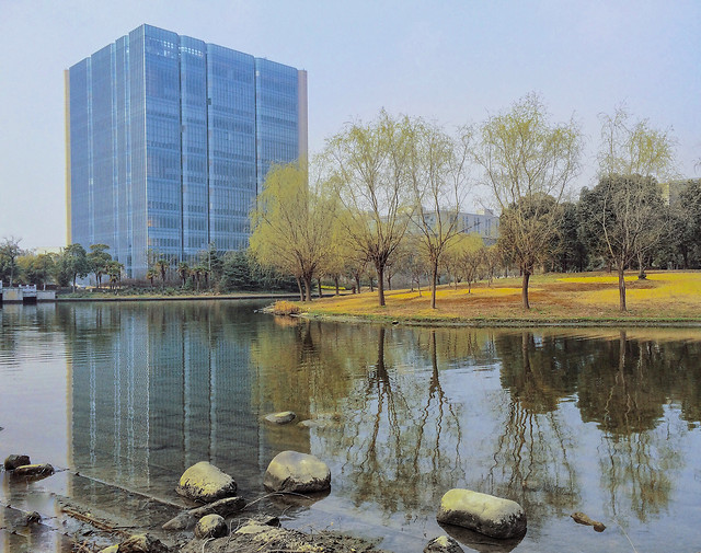 reflection-sky-no-person-modern-water 图片素材