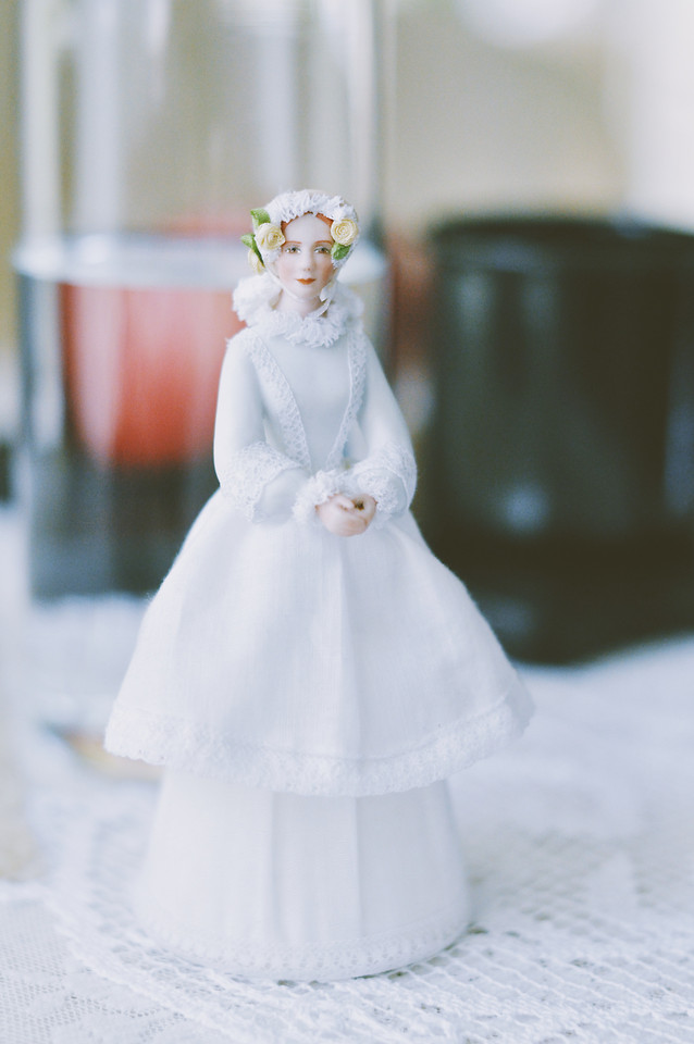 wedding-bride-gown-groom-winter picture material