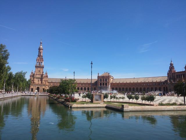 architecture-travel-no-person-river-city picture material