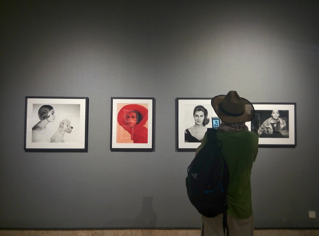 exhibition-museum-people-painting-adult picture material