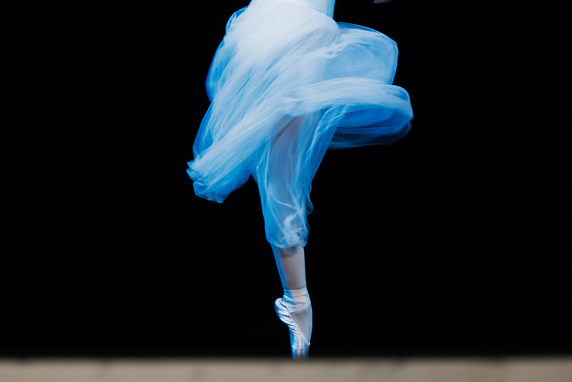 blue-ballet-motion-art-elegant picture material