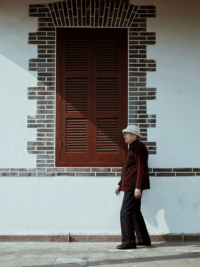 people-street-adult-one-building picture material